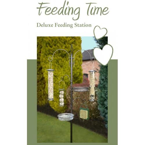 Feeding Time Deluxe Feeding Station